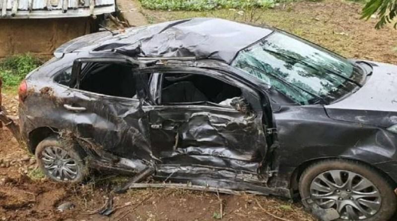 उत्तराखंड में कड़कड़ाती ठंड के बीच दर्दनाक सड़क हादसा हुआ है। हादसे में एक बच्ची समेत दो लोगों की मौत हो गई है। हादसे में तीन लोग घायल हो गए हैं।