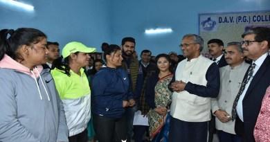 उत्तराखंड के खिलाड़ियों और खेल प्रेमियों के लिए अच्छी खबर है। सीएम त्रिवेंद्र सिंह रावत की घोषणा के बाद राज्य में 5 खेल स्टेडियम बनाने कि प्रक्रिया शुरू हो गई है।