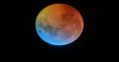 दस जनवरी यानी आज पहला चंद्रग्रहण लगेगा। ये चंद्रग्रहण चार घंटे तक लगेगा। 10 जनवरी को रात 10:36 बजे शुरू होगा