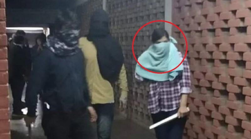 जवाहर लाल नेहरू विश्वविद्यालय में 5 जनवरी को छात्रों पर रॉड से हमले कि किए गए थे। हमले में कई छात्रों समेत शिक्षक घायल हो गए थे।