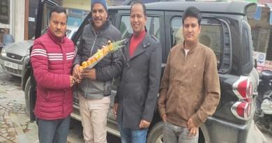 बीजेपी के नवनियुक्त प्रदेश प्रवक्ता सुरेश जोशी बुधवार को अल्मोड़ा पहुंचे। इस दौरान बीजेपी के कार्यकर्ताओं ने उनका जोरदार स्वागत किया।
