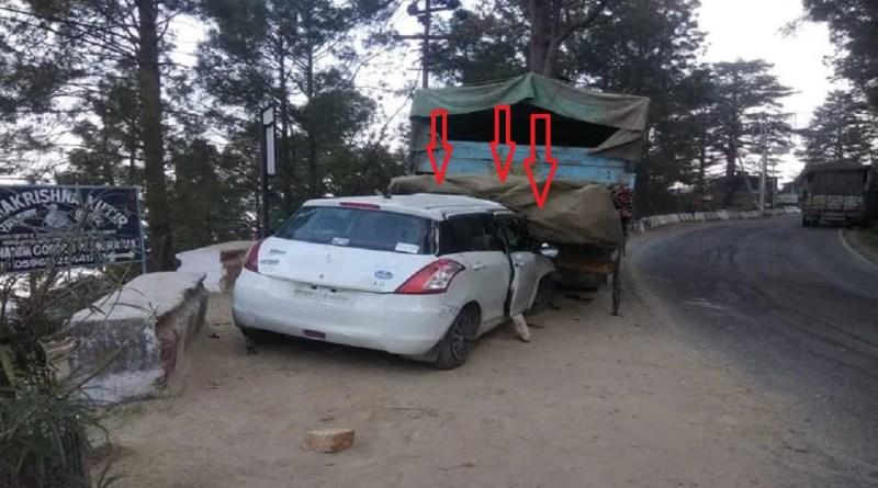 उत्तराखंड में अल्मोड़ा के ब्राइट इन कॉर्नर के पास हुए सड़क हादसे में एक युवक की मौत हो गई, जबकि इस हादसे में चार युवक गंभीर रूप से घायल हो गए।