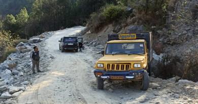 उत्तराखंड के चमोली जिले के थराली विधानसभा में थराली घाट मोटरमार्ग, जहां थराली से घाट को जाने वाली सड़क रुईसान में पिछले कई सालों से अटकी पड़ी है।