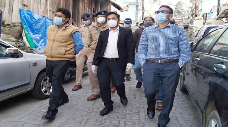उत्तराखंड के अल्मोड़ा में कोरनाव पॉजिटिव मामले सामने आने के बाद स्वास्थ्य विभाग के साथ प्रशासन अलर्ट पर है।