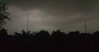 उत्तर भारत में रविवार को कई प्रदेश में तेज आंधी-तूफान के साथ बारिश हुई। उत्तराखंड में भी मौसम का रौद्र रूप दिखा। नैनीताल, रुद्रपुर, रामनगर, चंपावत, पिथौरागढ़, अल्मोड़ा, बागेश्वर, काशीपुर में आंधी के साथ तेज बारिश हुई।