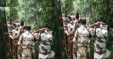 उत्तराखंड के चमोली जिले में जोशीमठ-औली मोटर मार्ग पर सेना का एक वाहन दुर्घटनाग्रस्त हो गया है। बताया जा रहा है कि सुनील बेंड के पास ये हादसा हुआ है।