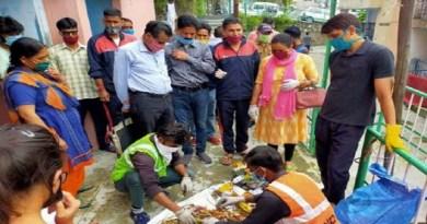 लोगों को सफाई प्रति केंद्र की मोदी सरकार से लेकर प्रदेश की त्रिवेंद्र सिंह रावत सरकार जागरुक करने की कोशिश कर रही है। केंद्र की मोदी सरकार को स्वच्छ भारत अभियान भी चला रही है। इस अभियान का असर भी दिख रहा है।