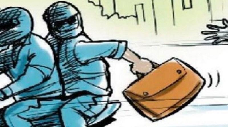 उत्तराखंड के हरिद्वार में बदमाश बेखौफ हो गए हैं। उनमें कानून का डर नहीं रह गया है। जिले में बदमाश आए दिन लूट-पाट की वारदात को अंजाम दे रहे हैं।