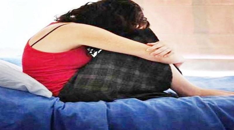 रुड़की के सिविल लाइन कोतवाली क्षेत्र में एक युवती ने युवक पर शादी का झांसा देकर एक साल तक दुष्कर्म करने का आरोप लगाया है।