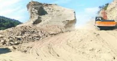 चंपावत में नेपाल सीमा से सटे टनकपुर-जौलजीबी (टीजे) रोड के निर्माण का काम अब तक शुरू नहीं हो पाया है।
