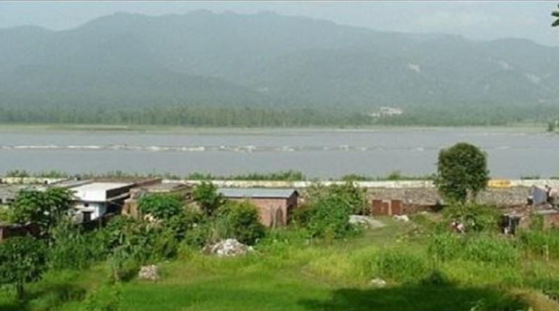 उत्तराखंड के उधम सिंह नगर प्रदेश के तेजी से प्रगति कर रहे जिलों में से एक है। इसकी भौगोलिक बनावट और दूसरी वजहों से इसे लोग मिनी हिंदुस्तान भी कहते हैं।