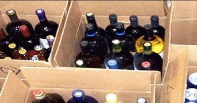 देश के दूसरे हिस्सों के साथ ही उत्तराखंड में भी अवैध शराब की बिक्री सरकार और दूसरे लोगों को लिए एक बड़ी सिरदर्दी है। इसी सिरदर्दी को दूर करने की कोशिश अल्मोड़ा के धौलादेवी विकासखंड के तहत आने वाले ग्राम पंचायत नाकोट के एक युवा ने की है।