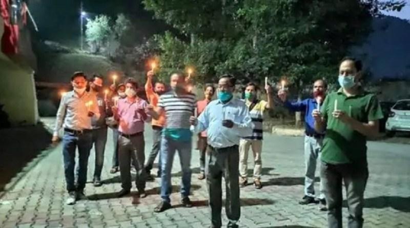 जनरल-ओबीसी कर्मचारियों का संगठन के प्रदेश अध्यक्ष के खिलाफ चल रही जांच के विरोध में प्रदर्शन जारी है।