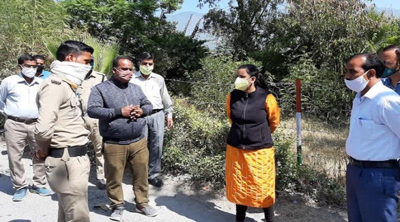 उत्तराखंड में बढ़ते कोरोना संक्रमण के मामलों ने स्वास्थ्य विभाग के साथ जिला प्रशासन मुश्किलें बढ़ा दी हैं।