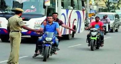 काशीपुर: बीच सड़क बिना हेलमेट बाइक सवार ने दिखाई दबंगई, पुलिस वाले ने ऐसे सिखाया सबक