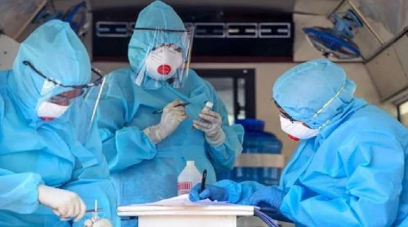 उत्तराखंड में कोरोना वायरस का कहर जारी है। राज्य के स्वास्थ्य मंत्रालय की ओर से जारी ताजा आंकड़ों के मुताबिक, 213 नए कोरोना पॉजिटिव मिले हैं।