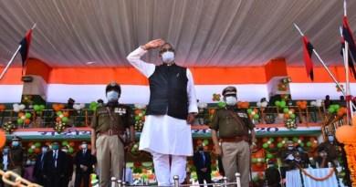 सरदार वल्लभ भाई पटेल की 145वीं जंयती पर पूरा देश उन्हें याद कर रहा है। प्रधानमंत्री नरेंद्र मोदी ने लौह पुरुष को विनम्र श्रद्धांजलि दी।