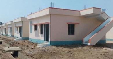 चंपावत में प्रधानमंत्री शहरी आवास योजना के तहत खुद के घर में रहने का सपना संजोए भूमिहीन बेघरों को फिलहाल लंबा इंतजार करना पड़ेगा।