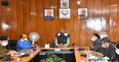 कोरोना: सीएम त्रिवेंद्र ने जिलाधिकारियों संग की समीक्षा बैठक, दिए ये आदेश