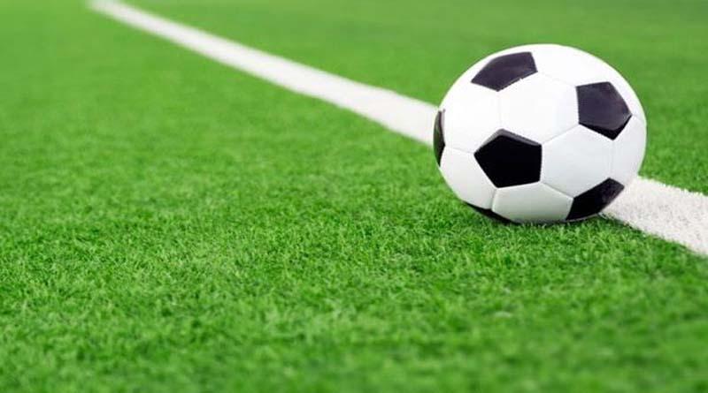 फुटबॉल टूर्नामेंट: शानदार मुकाबले में रामनगर, पीरूमदारा और नया गांव चौहान ने दर्ज की जीत