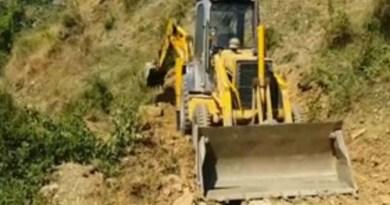 टिहरी: अधर में लटका है इस मार्ग का कार्य, अब ग्रामीणों ने दी उग्र आंदोलन की चेतावनी