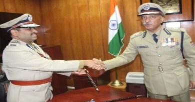 उत्तराखंड पुलिस के DGP अनिल कुमार रतूड़ी आज रिटायर हो गए हैं। उनकी जगह अब अशोक कुमार प्रदेश के डीजीपी का पद संभालेंगे।