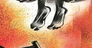 नैनीताल: ब्यूटी पार्लर में काम करने वाली महिला ने की आत्महत्या, फांसी लगाकर दी जान, मचा कोहराम!