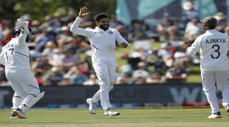 सिडनी क्रिकेट ग्राउंड में खेले जा रहे तीसरे टेस्ट मैच के दूसरे दिन रवींद्र जडेजा ने ऑस्ट्रेलिया की पहली पारी में चार विकेट झटक लिए।