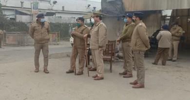 दिल्ली में हुई किसान की मौत के बाद हाई अलर्ड जारी, यूपी-उत्तराखंड सीमा पर भारी पुलिस फोर्स तैनात