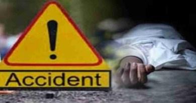 काशीपुर में दो मोटरसाइकिलों की आमने सामने की जोरदार टक्कर में दो युवकों की मौत हो गई और एक अन्य घायल हो गया।