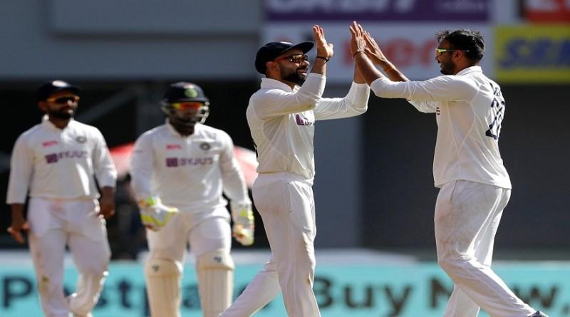 लेफ्ट ऑर्म स्पिनर अक्षर पटेल (4/68) के नेतृत्व में गेंदबाजों के शानदार प्रदर्शन किया। भारत ने चौथे टेस्ट के पहले दिन इंग्लैंड की पहली पारी को 205 रनों पर समेट दिया।