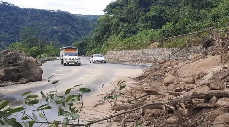 चंपावत पुलिस ने टनकपुर में आलवेदर रोड का निर्माण करने वाली शिवालया कंस्ट्रक्शन कंपनी में लाखों रुपये का गबन करने वाले आरोपी प्रबंधक को गिरफ्तार किया है।