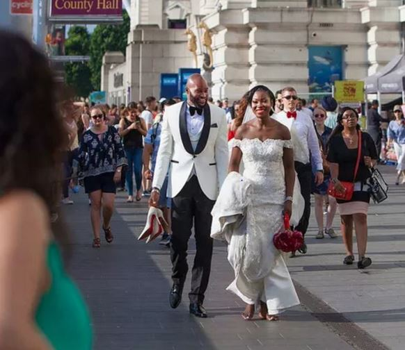 Amazing! This Couple Trekked To Their Wedding Reception Barefoot