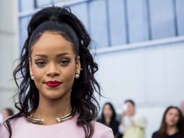 Rihanna Enjoys Romantic Dinner With Her Billionaire Boyfriend Hassan Jameel In London