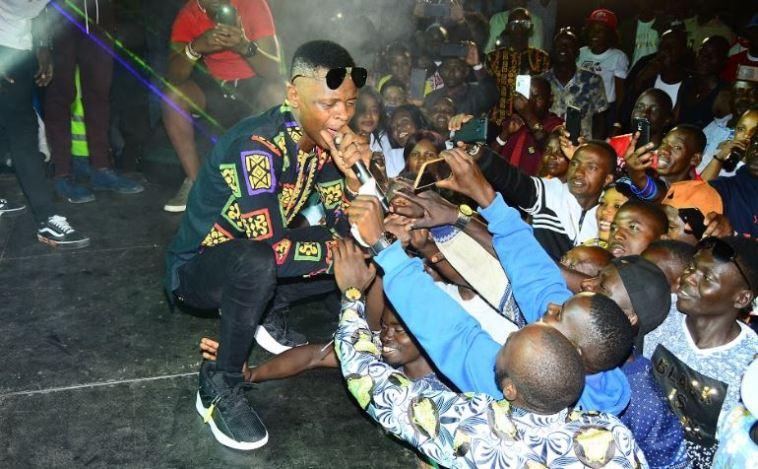 Ugandan Singer, Chameleone Thrills Fans In Masaka - News of Africa - Online  Entertainment - Gossip - Celebrity Newspaper - Breaking News