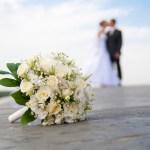 進行する結婚離れ… 一番の理由は「お金が無い」