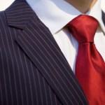 彡(゚)(゚)「会社の面接に赤と黄と青のストライプのネクタイをしてけ!?!?」