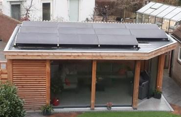 Platdak en zonnepanelen gaan goed samen door NewSolarWoudenberg