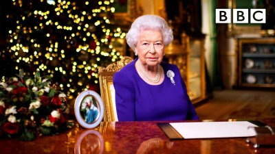 The Queens Christmas Broadcast 2020 👑🎄 📺 BBC - UK Television News