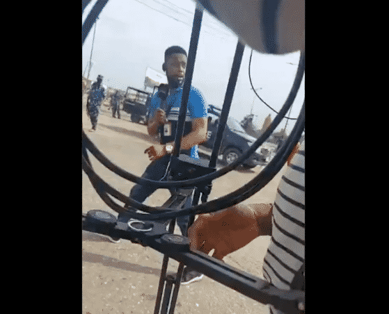 Lagos Police Officer Threatens To Open Fire On Journalist