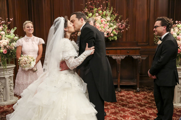 """Mayim Bialik and Jim Parsons in """"The Big Bang Theory."""""""