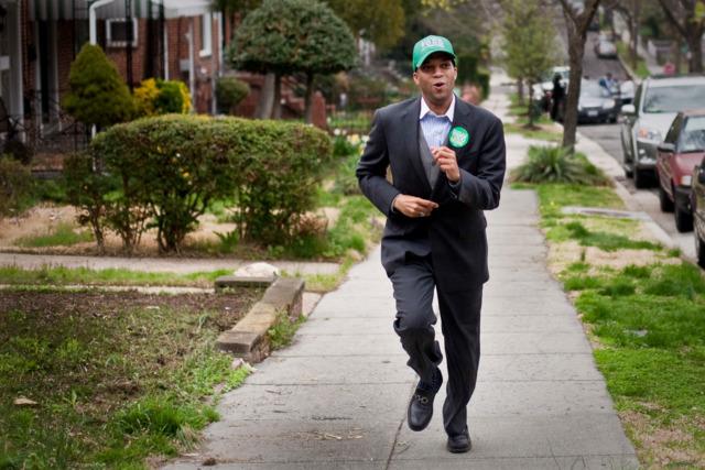 Ward 4 Councilmember Brandon Todd campaigning in 2015.