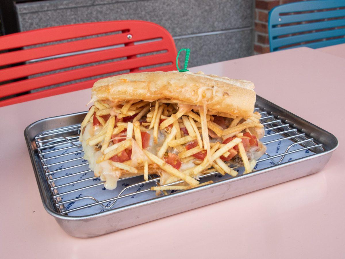 Tripleta sandwich at La Famosa
