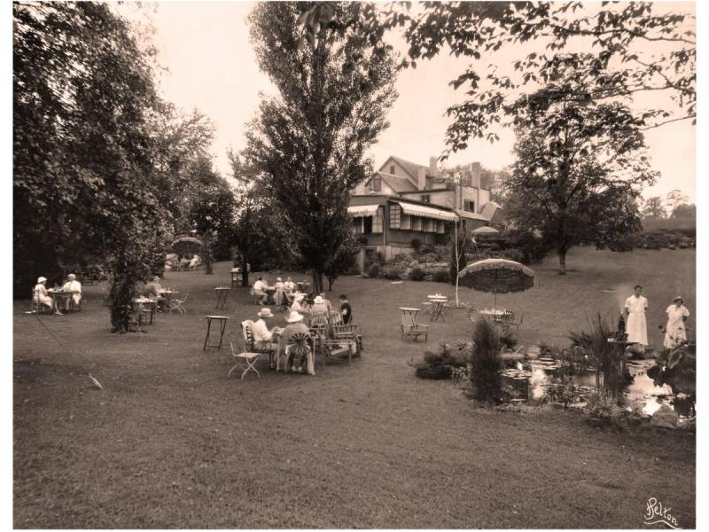 Historical photo of Mrs. K's Toll House