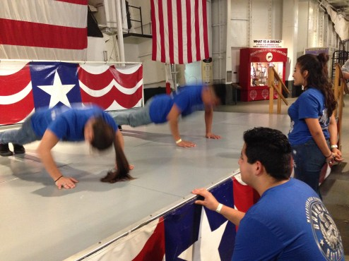 Push-up contest between Jacqueline Paredes and Gregory Barba to se who gets dinner and breakfast first.