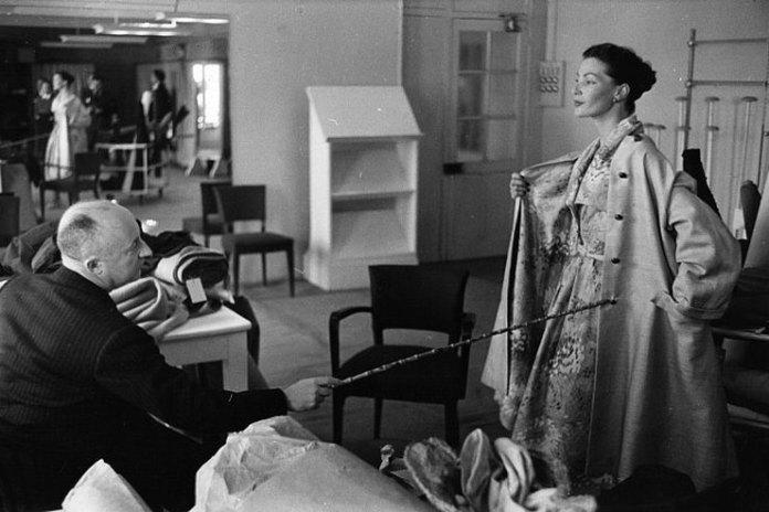 Модный дом Dior презентовал фильм, посвященный легендарному кутюрье
