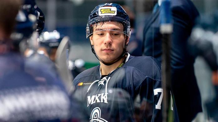 Защитникклуба МХЛ«Динамо»скончался в возрасте 19 лет в реанимации из-за попавшей в голову шайбы