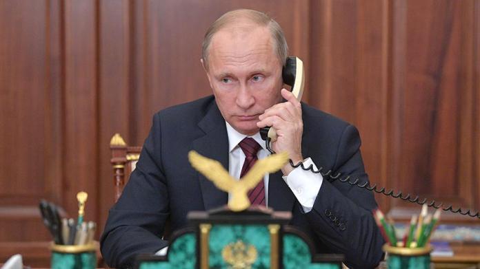 Владимир Путин и французский лидер Эммануэль Макрон провели телефонный разговор