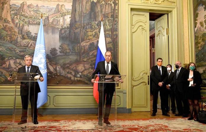 Лавров заявил о необходимости созыва ближневосточного