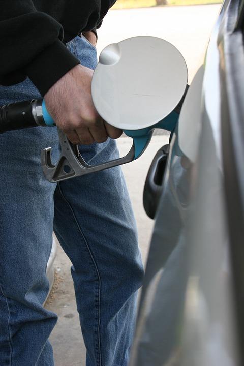 С 30 августа по 6 сентября средние розничные цены на топливо вРоссииснизились впервые за год